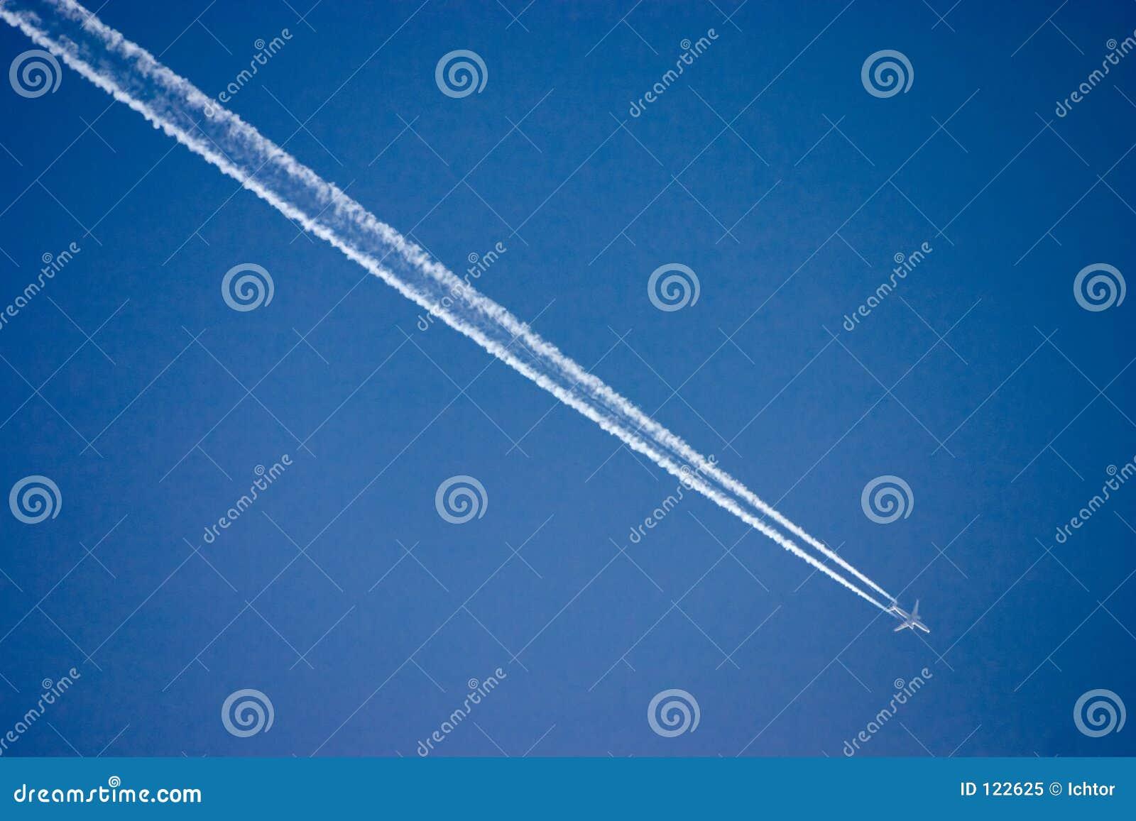 Download αεροπλάνο στοκ εικόνα. εικόνα από βακκινίων, ουρά, ίχνος - 122625