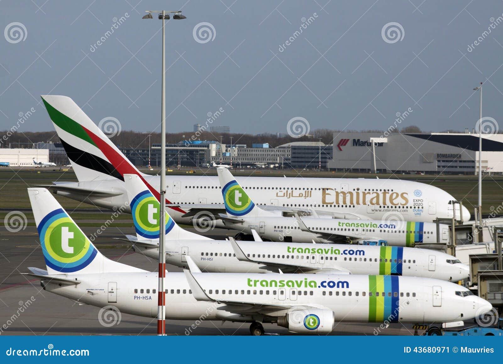 Αεροπλάνα Transavia έτοιμα για το ταξίδι