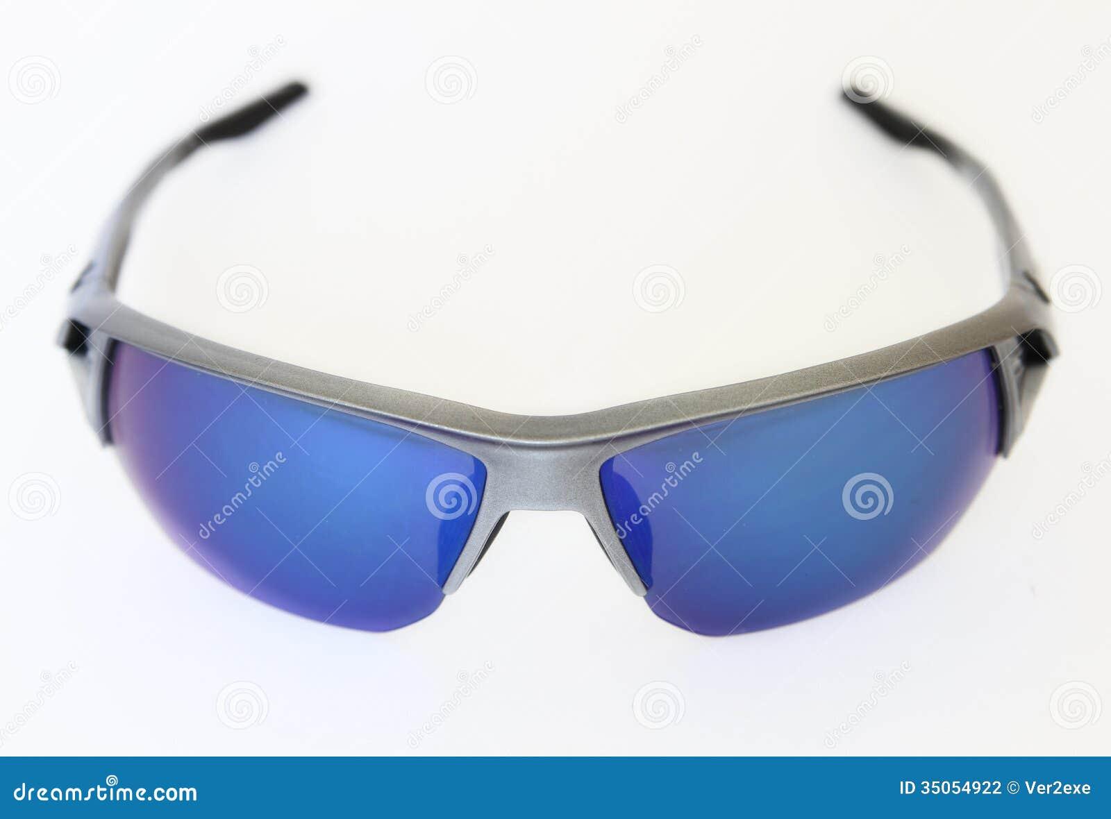 3e19f3f140 Αθλητικά γυαλιά ηλίου στοκ εικόνες. εικόνα από ζευγάρι - 35054922