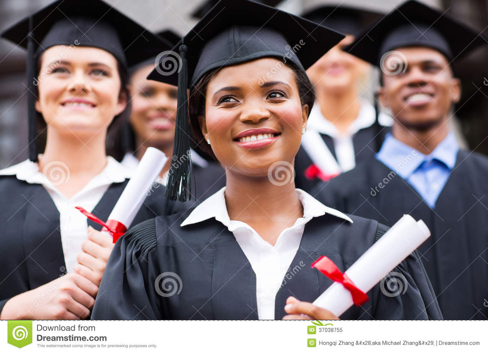 Αισιόδοξοι πανεπιστημιακοί πτυχιούχοι