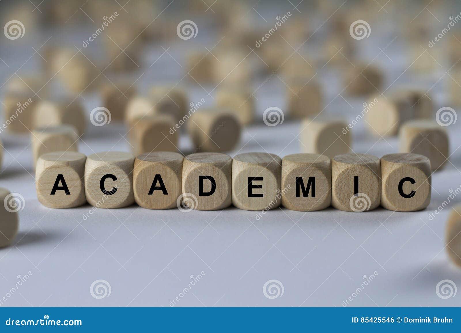 Ακαδημαϊκός - κύβος με τις επιστολές, σημάδι με τους ξύλινους κύβους