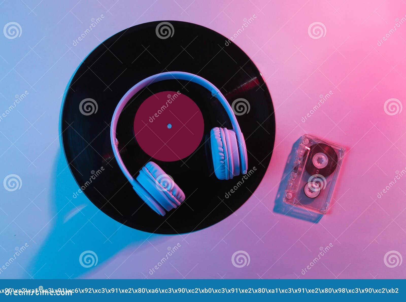 Ακουστικά με την ακουστική κασέτα