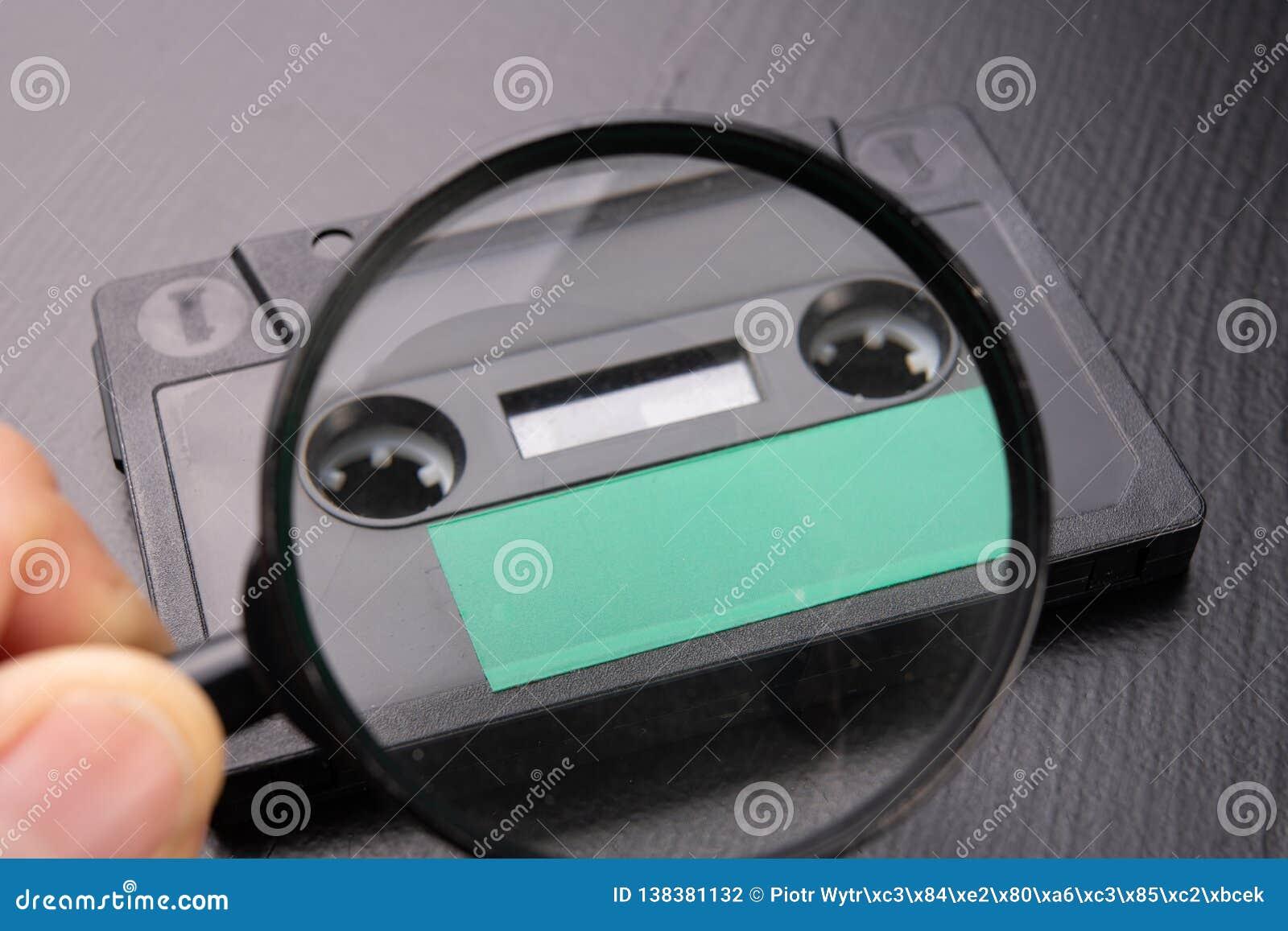 Ακουστική κασέτα με το διάστημα για την είσοδο κειμένων που βλέπει μέσω της ενίσχυσης - γυαλί Κασέτα χωρίς περιγραφή