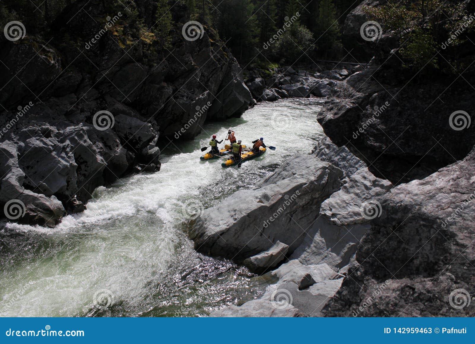 Ακραίο στον ποταμό Bashkaus