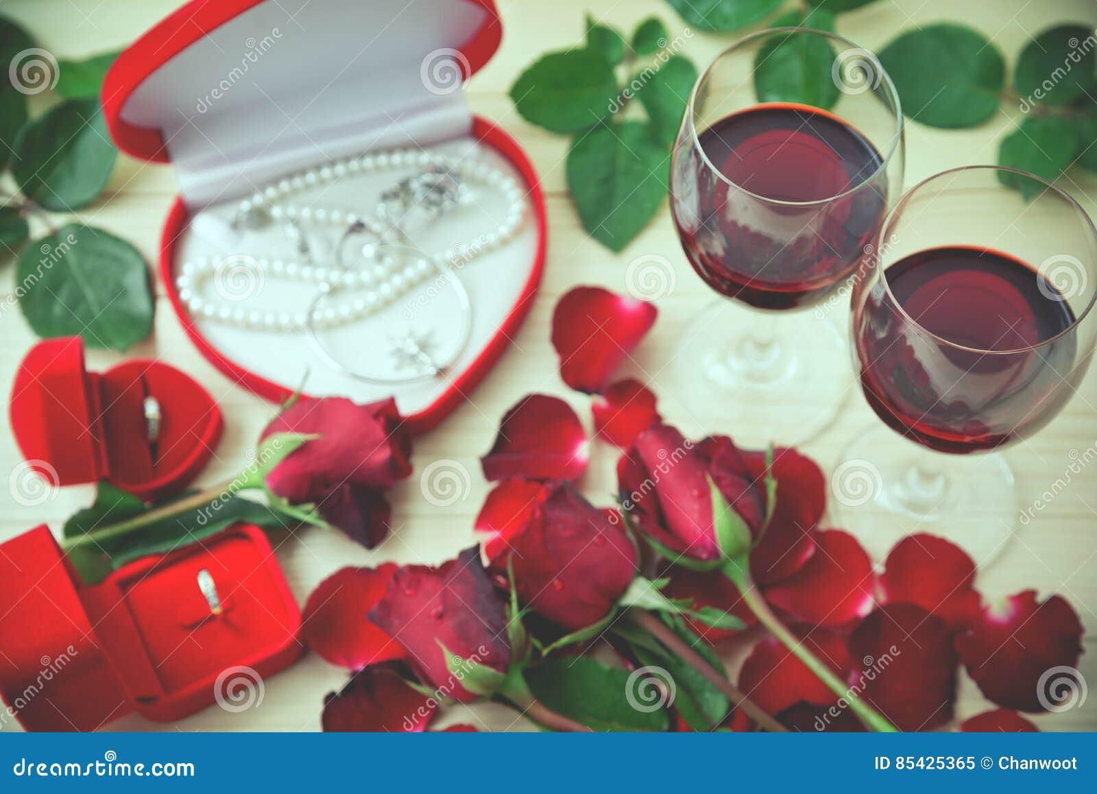 Ακόμα ζωή των γυαλιών κρασιού