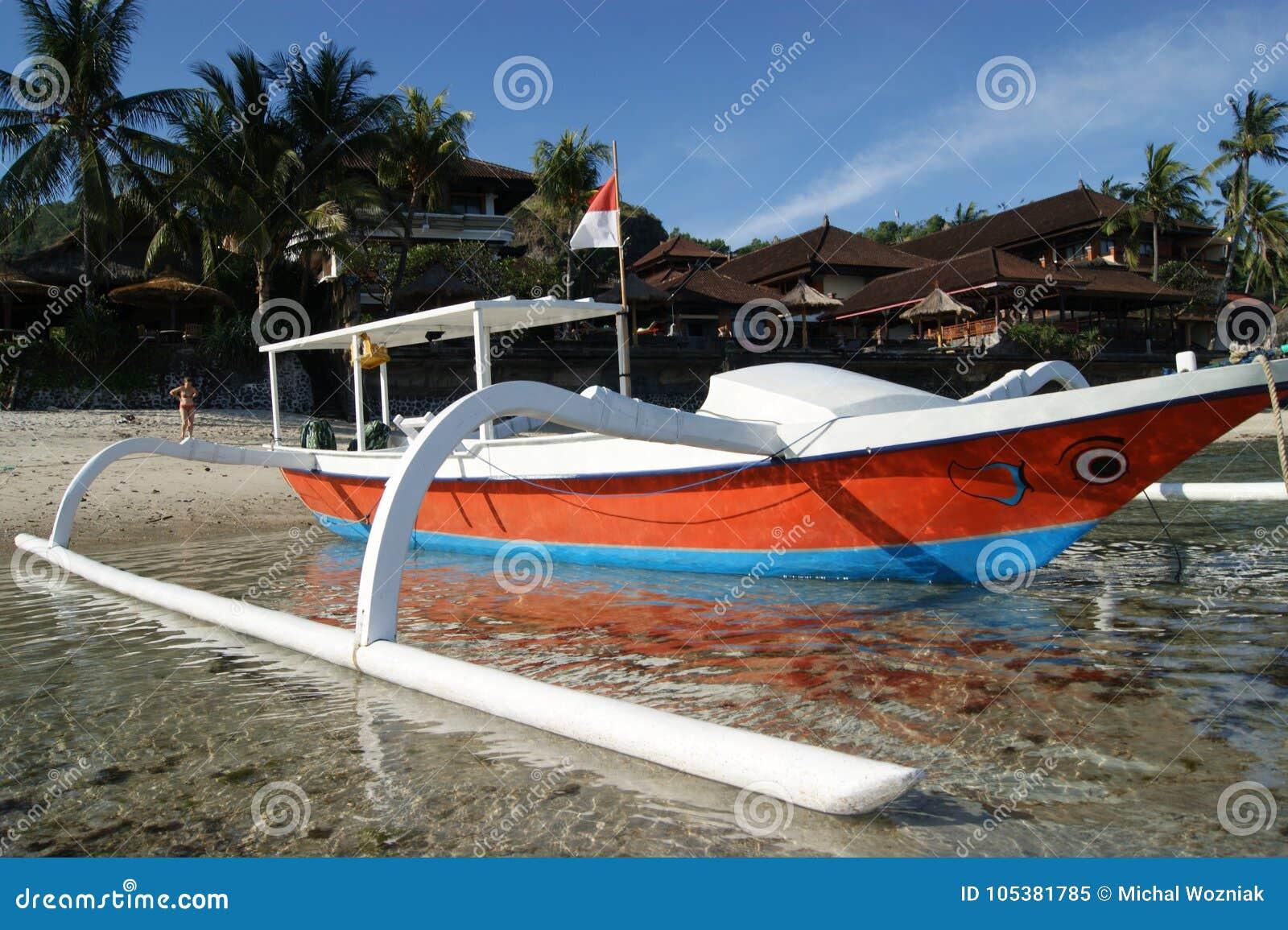 Αλιεία Trimaran στο Μπαλί, Ινδονησία