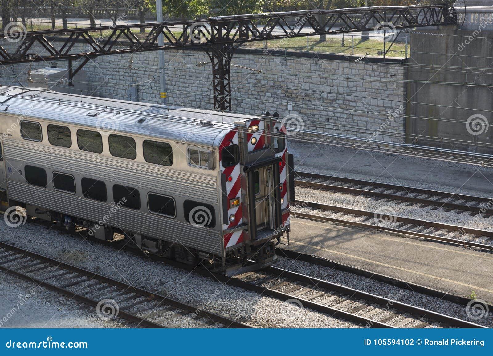 Αμαξοστοιχία περιφερειακού σιδηροδρόμου στο ναυπηγείο Σικάγο