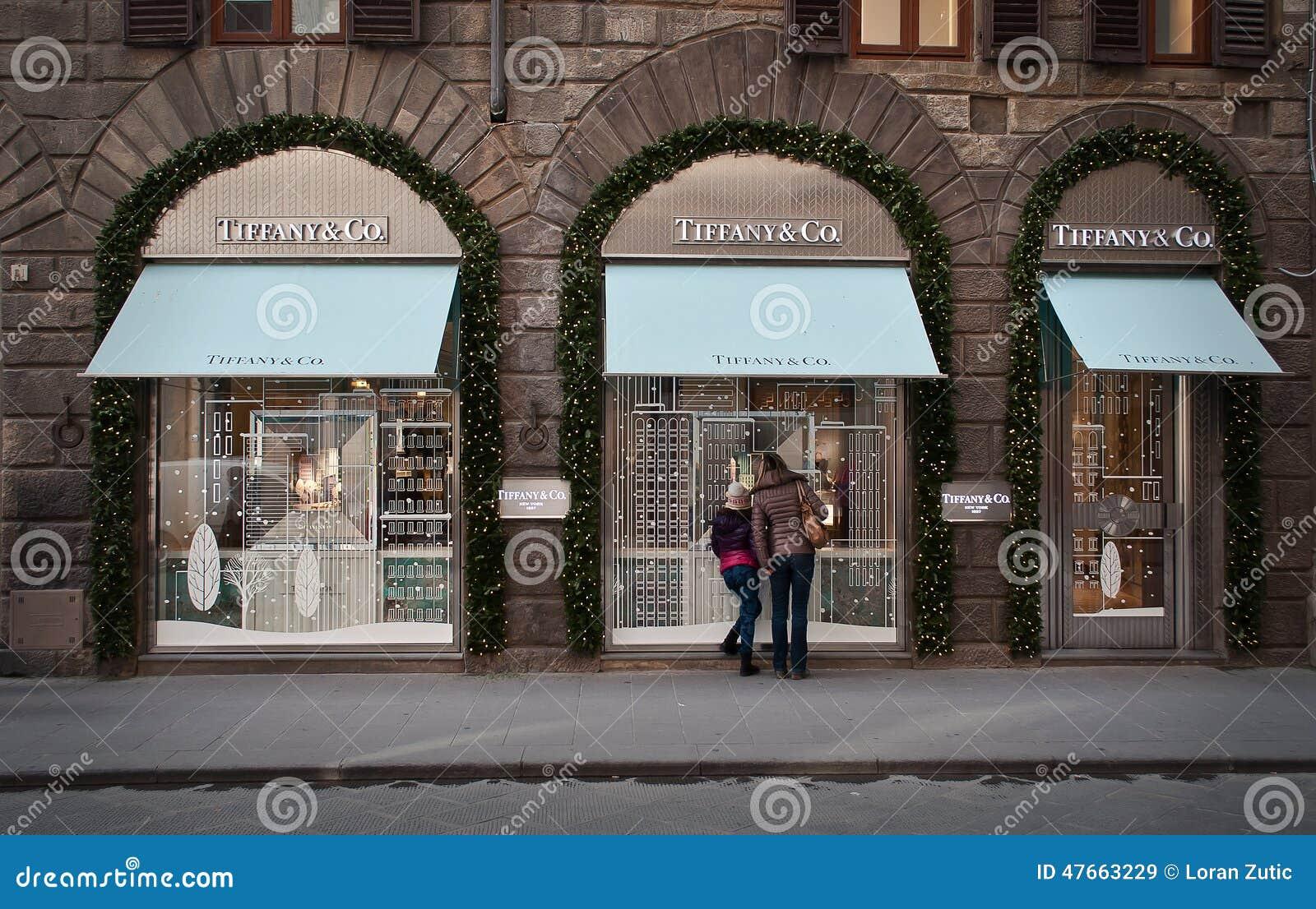 αμερικανικές ομο ασημικές κοσμημάτων επιχείρησης tiffany κατάστημα στη Φλωρεντία