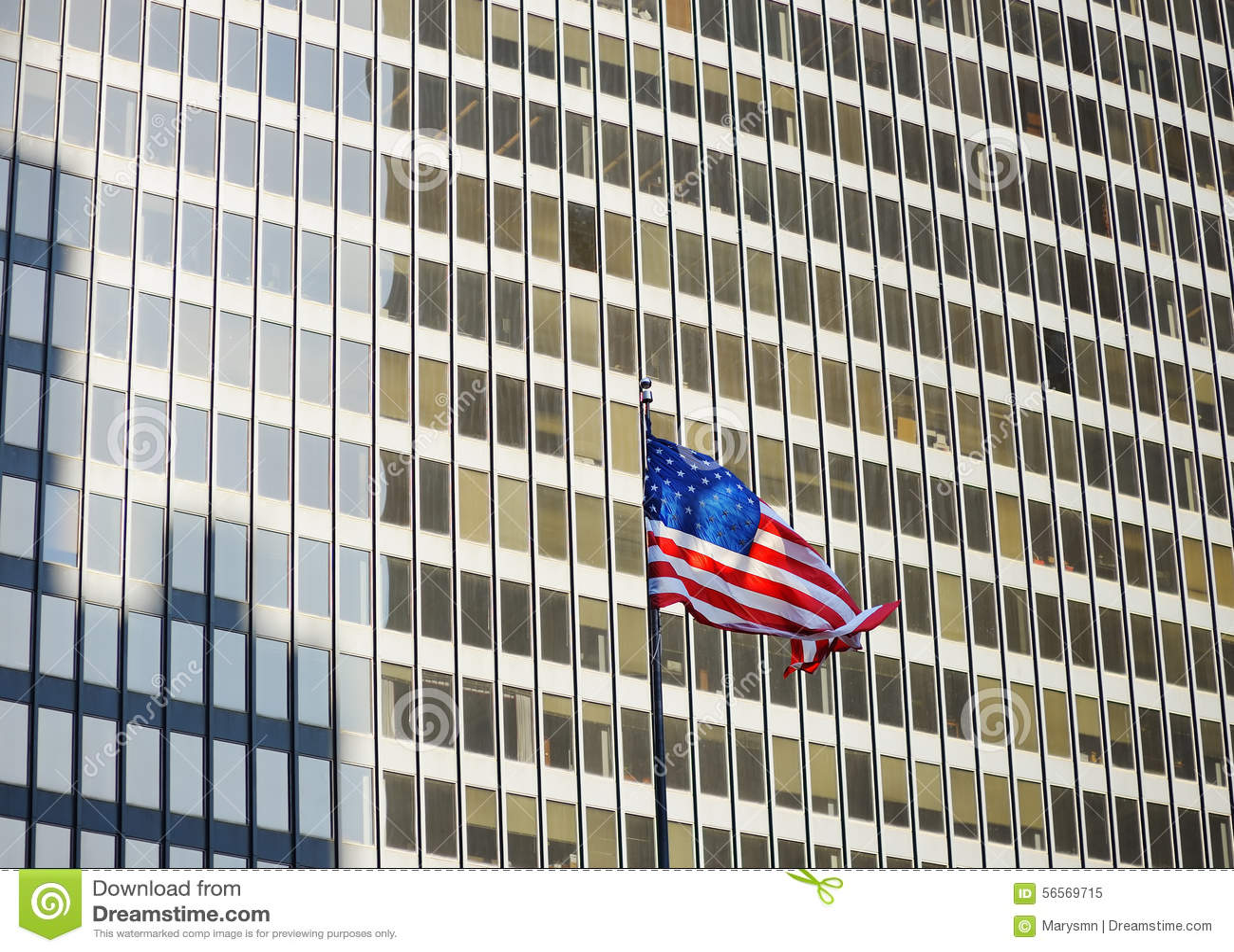 Download ΑΜΕΡΙΚΑΝΙΚΗ σημαία με τον ουρανοξύστη στο υπόβαθρο Στοκ Εικόνα - εικόνα από ομοσπονδιακός, διακόσμηση: 56569715