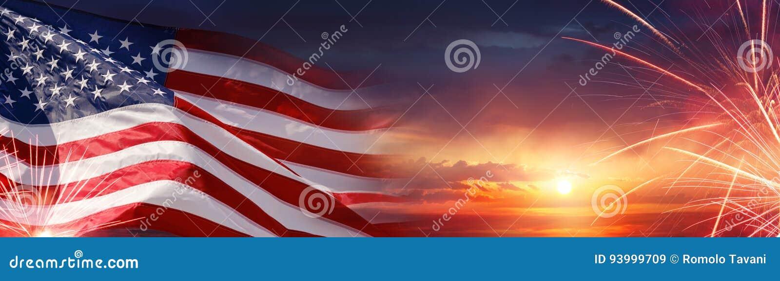 Αμερικανικός εορτασμός - αμερικανικά σημαία και πυροτεχνήματα