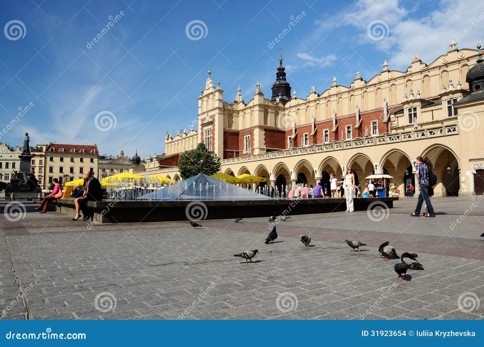 Αναγέννηση Sukiennice γνωστό επίσης ως αίθουσα υφασμάτων στην Κρακοβία, Πολωνία