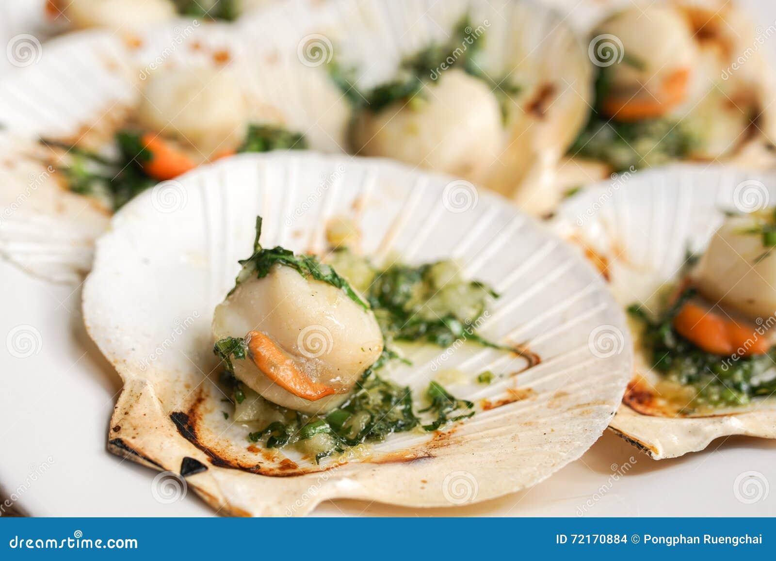 Ανακατώστε το τηγανισμένο όστρακο