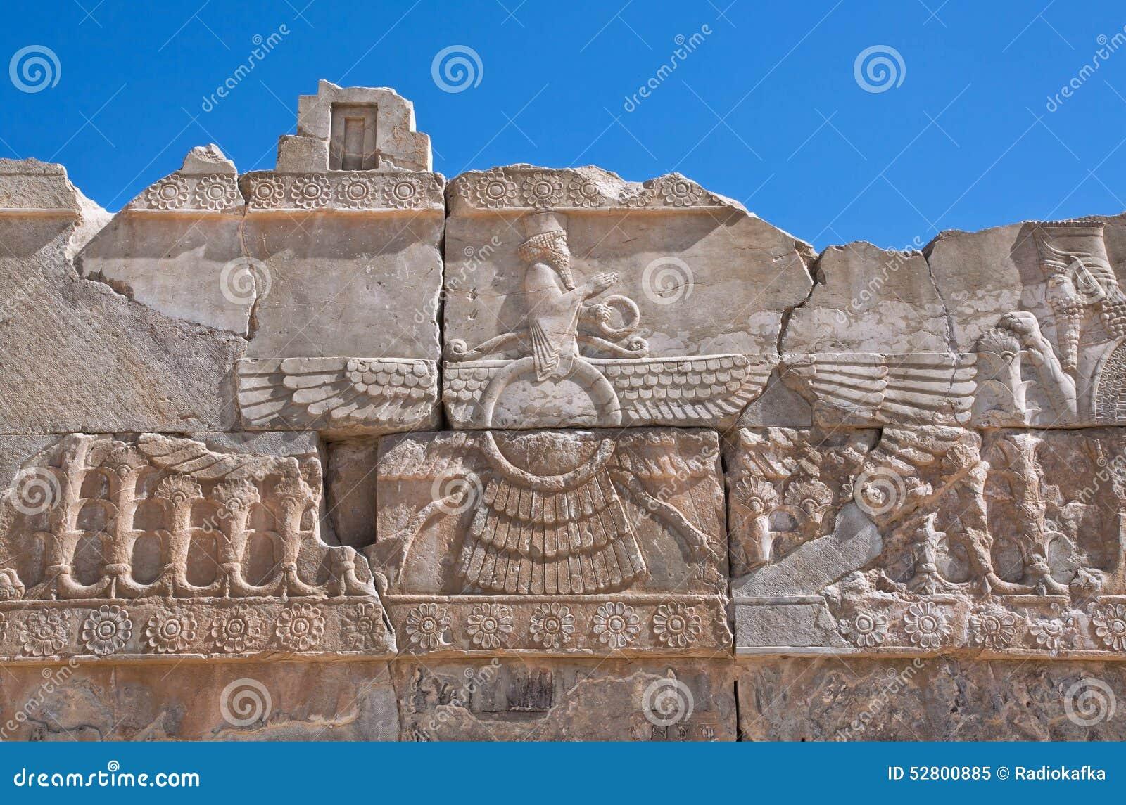 Ανακούφιση του φτερωτού συμβόλου ήλιων Zoroastrianism σε Persepolis