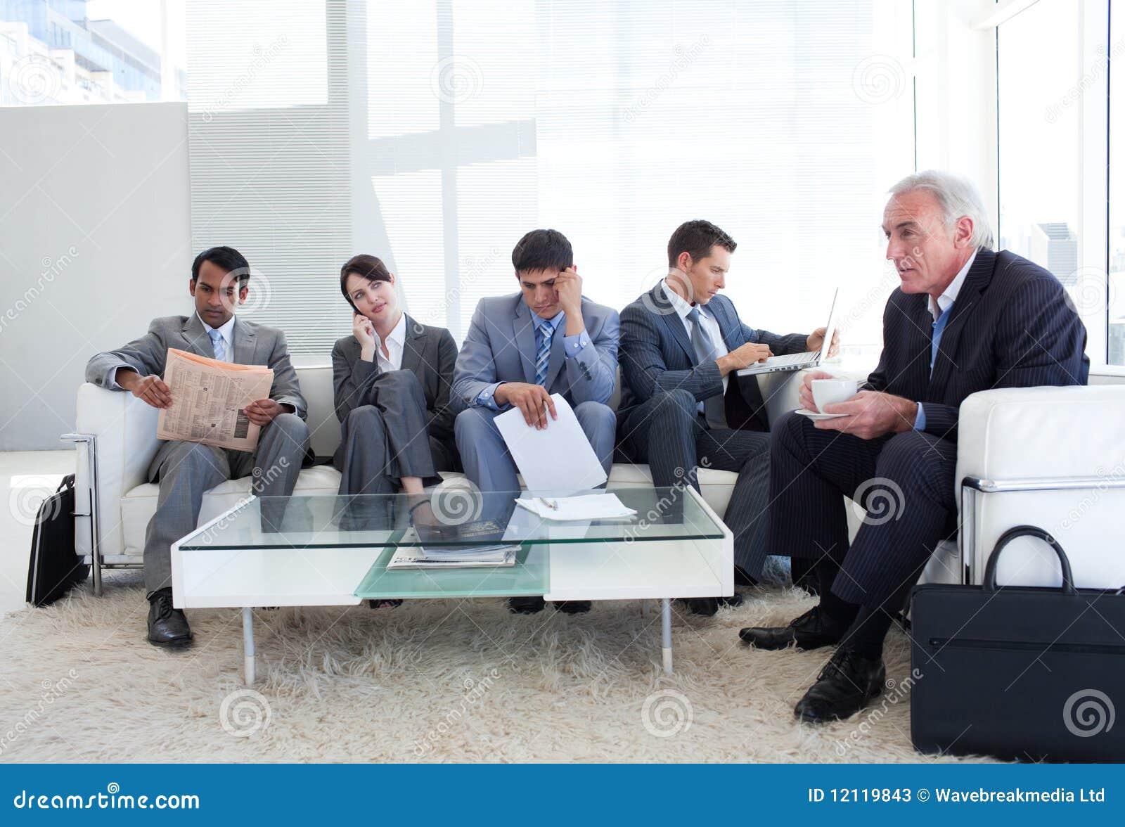 αναμονή ανθρώπων εργασίας &