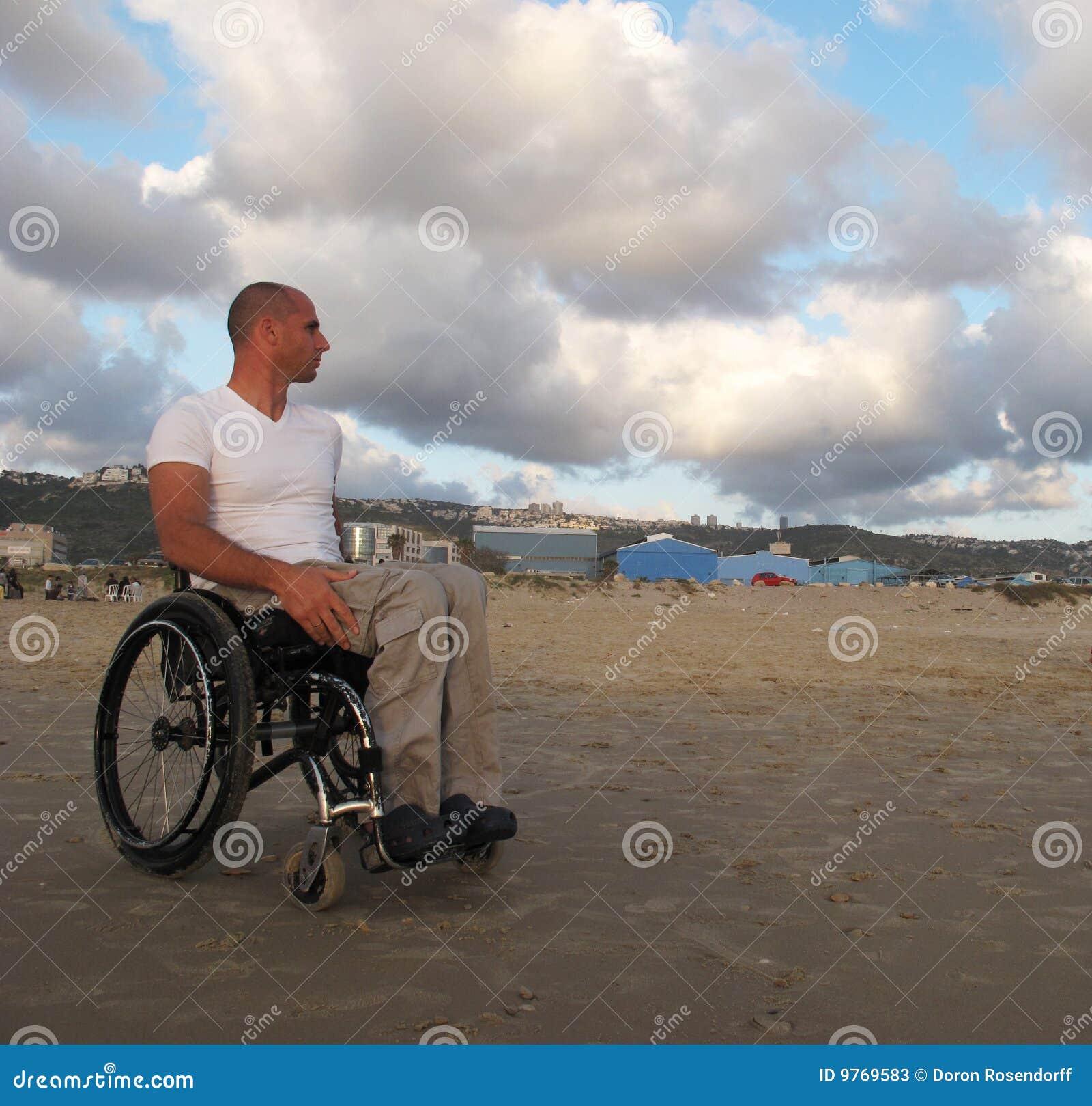 αναπηρική καρέκλα άμμου
