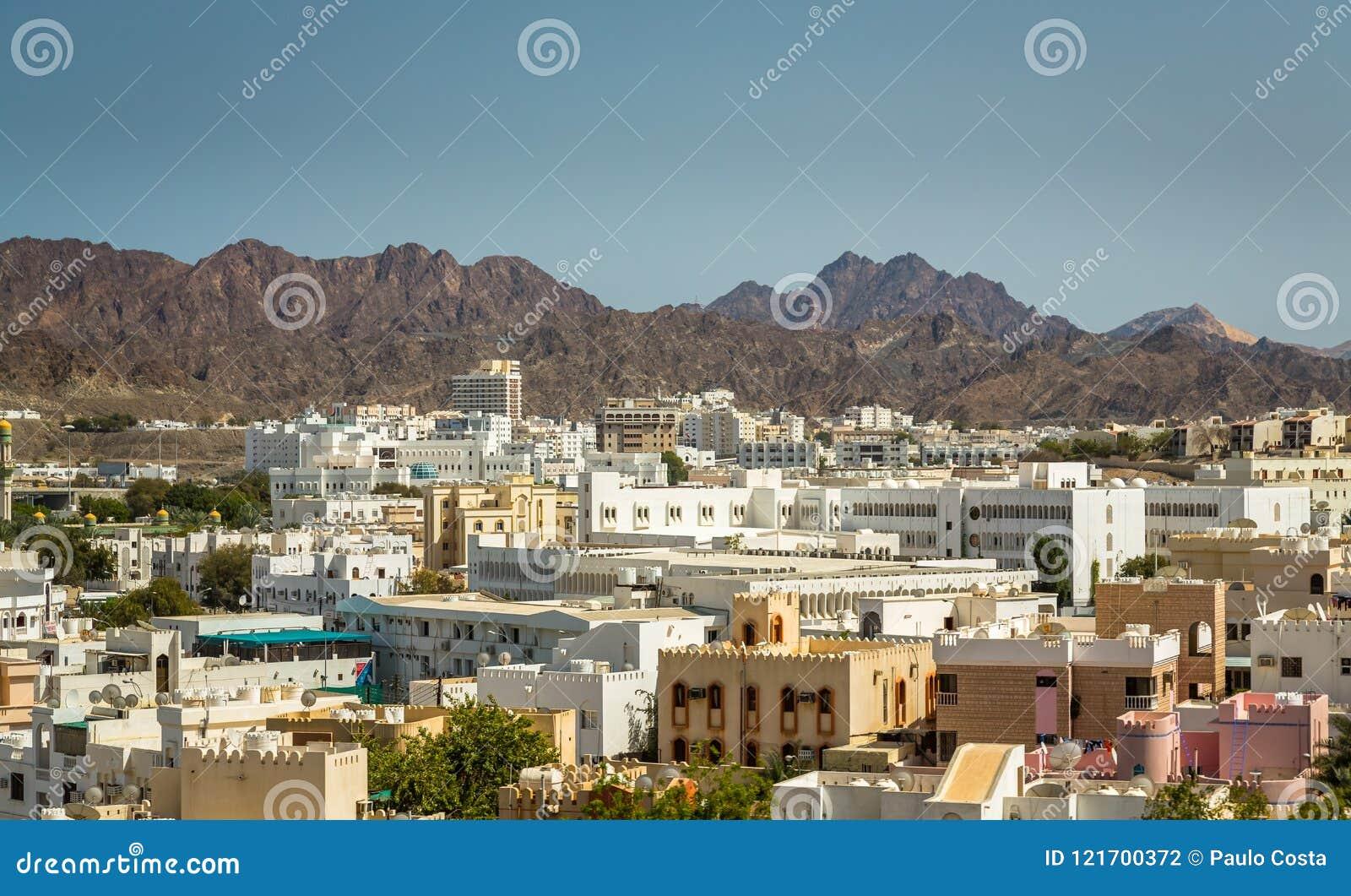 Ανατολή κατά Muscat την άποψη από ένα σκάφος