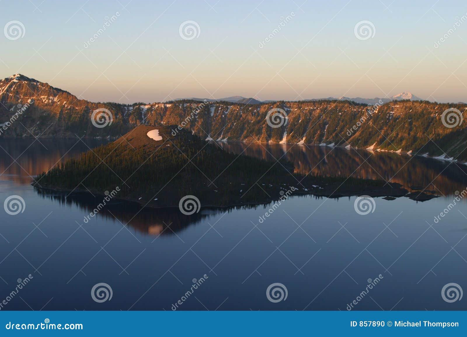 ανατολή λιμνών κρατήρων