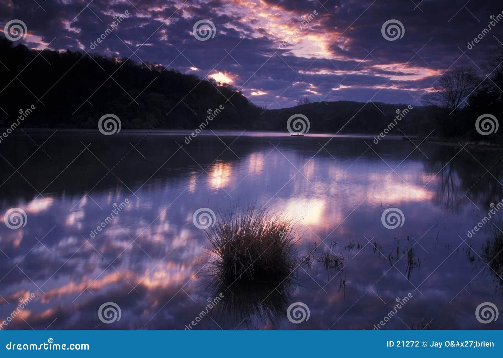 ανατολή λιμνών