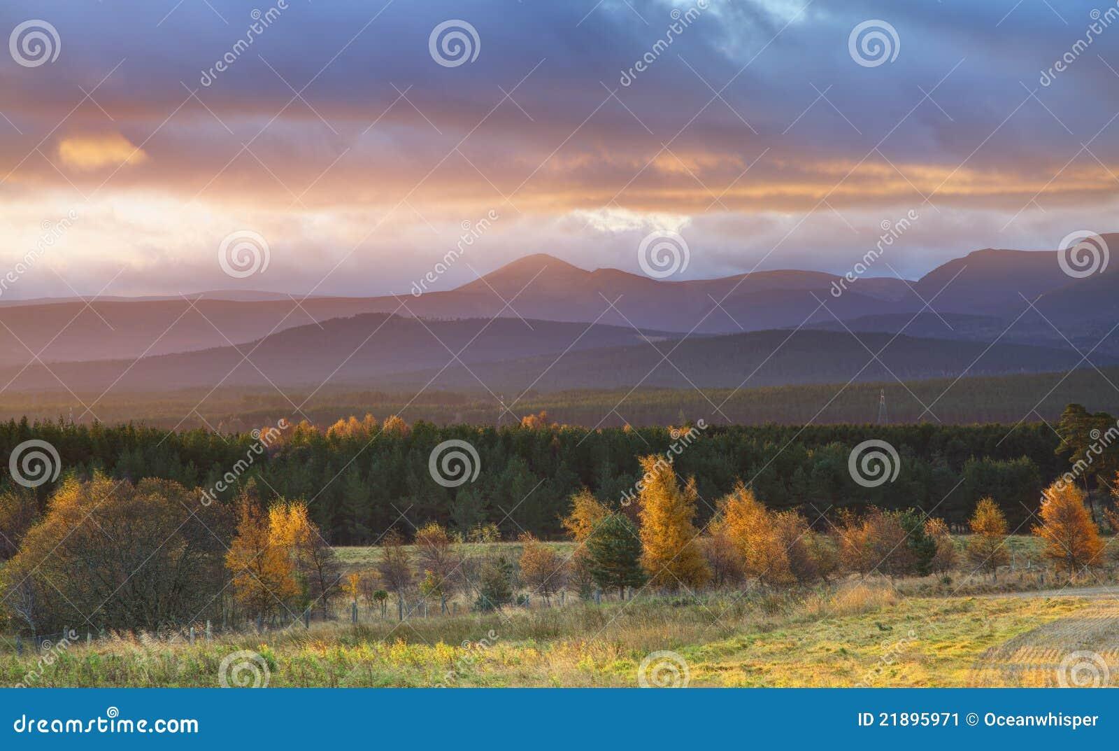 ανατολή τοπίων φθινοπώρο&upsilo