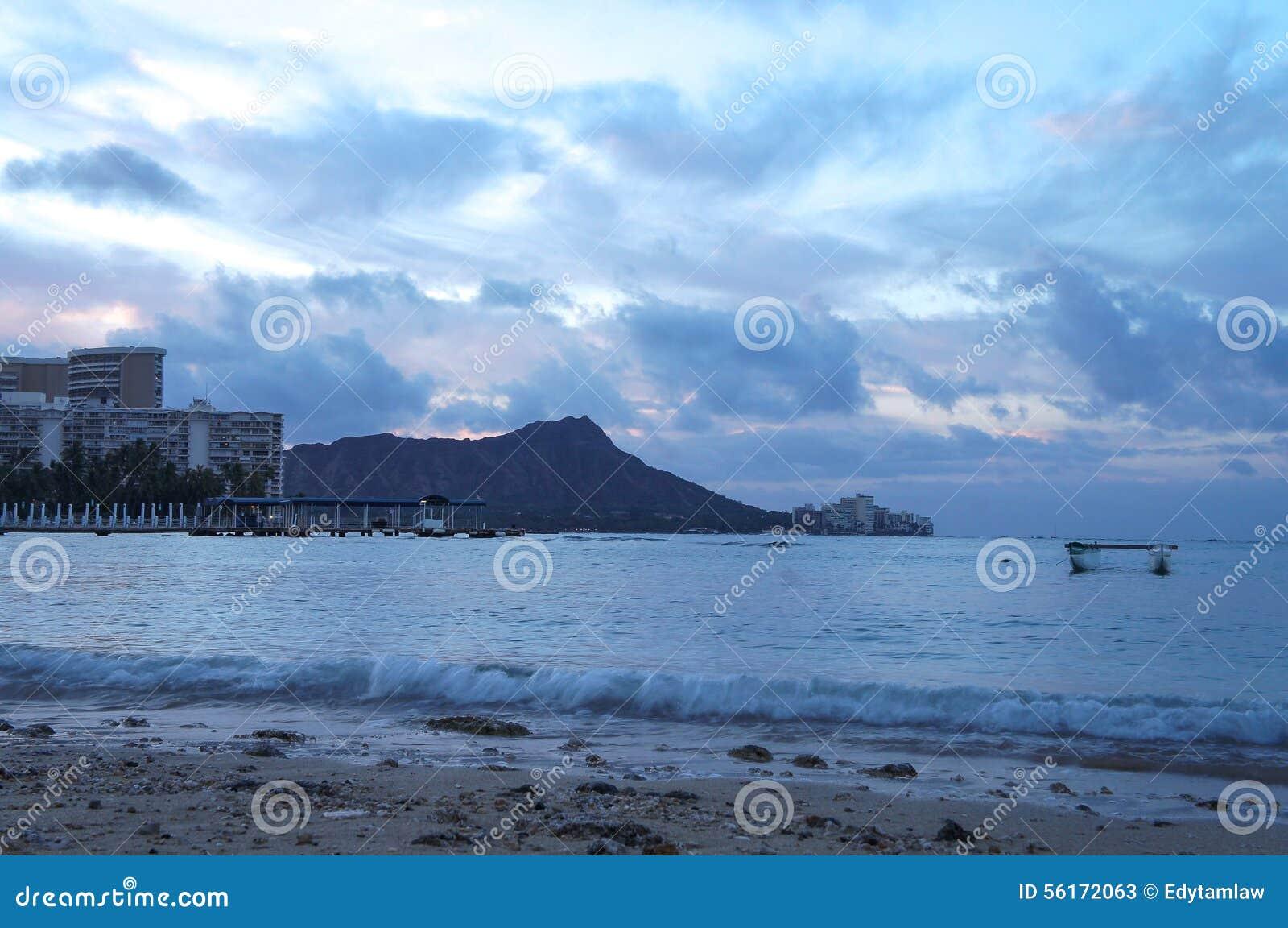 Ανατολή πέρα από το κεφάλι διαμαντιών από Waikiki, Oahu, Χαβάη