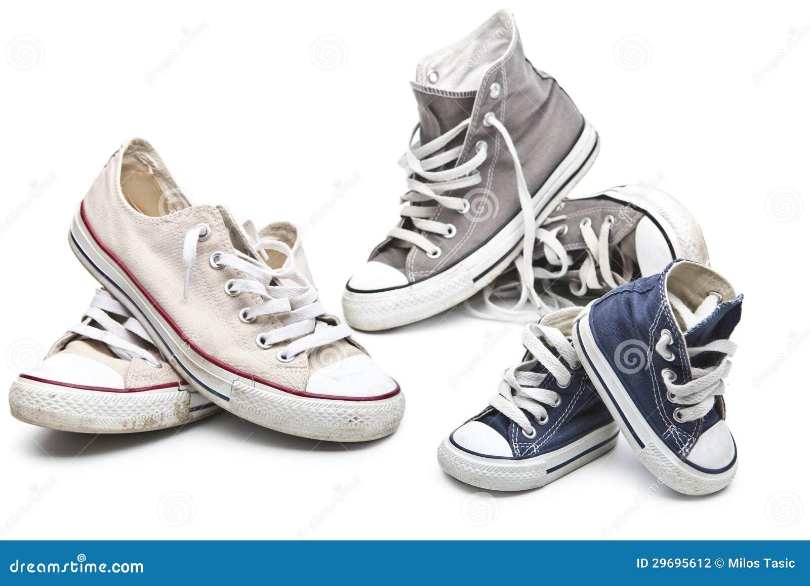 7a057416c43 Αθλητικά παπούτσια για πολύ καιρό όλες που απομονώνονται στο άσπρο  υπόβαθρο. Φωτογραφία ...