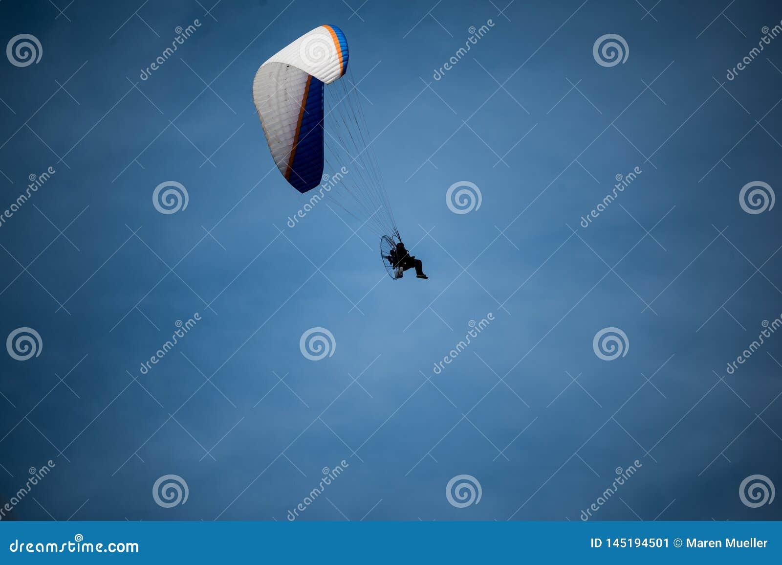 Ανεμόπτερο με μια μηχανή στο Λα Palma