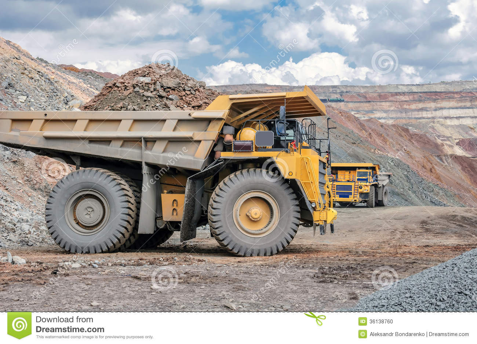 Ανοικτός - χυτό ορυχείο