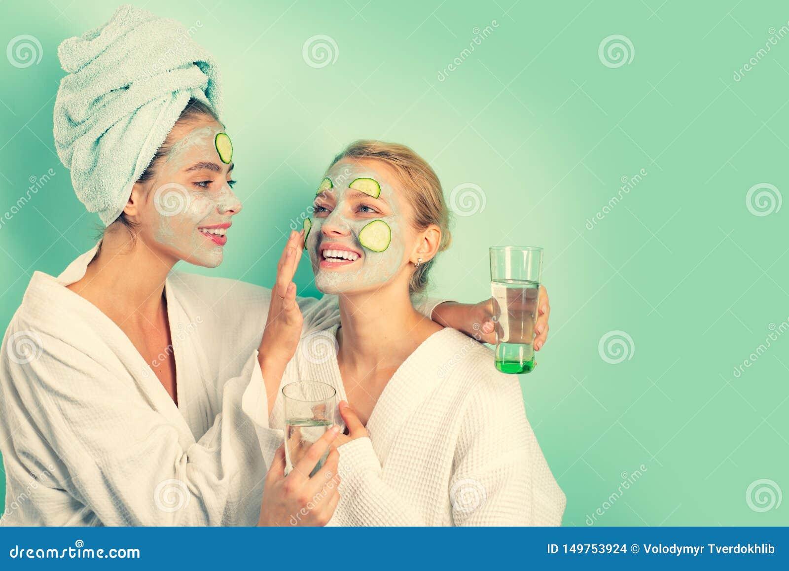 Αντι μάσκα ηλικίας Παραμονή όμορφη Φροντίδα δέρματος για πολύ καιρό όλες Γυναίκες που έχουν τη μάσκα δερμάτων αγγουριών διασκέδασ