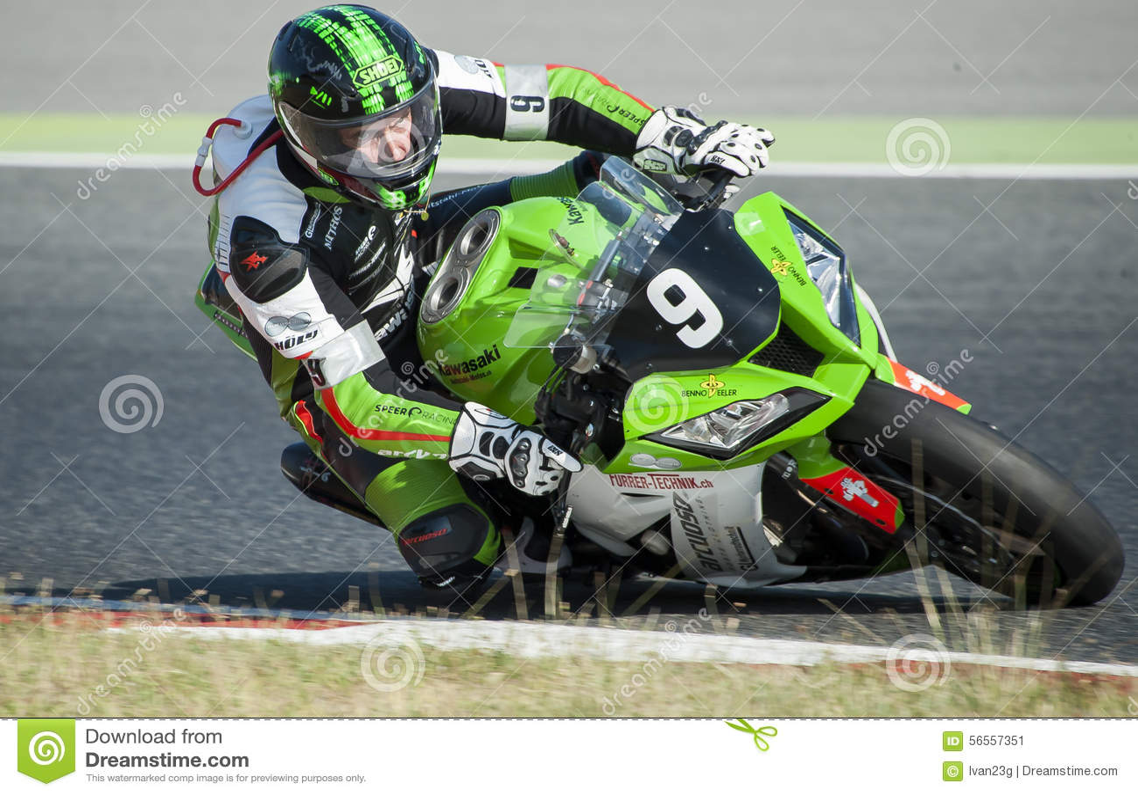 Download 24 ΑΝΤΟΧΗ ΩΡΩΝ MOTORCYCLING ΤΗΣ ΒΑΡΚΕΛΩΝΗΣ Εκδοτική Εικόνες - εικόνα από μηχανή, οδήγηση: 56557351