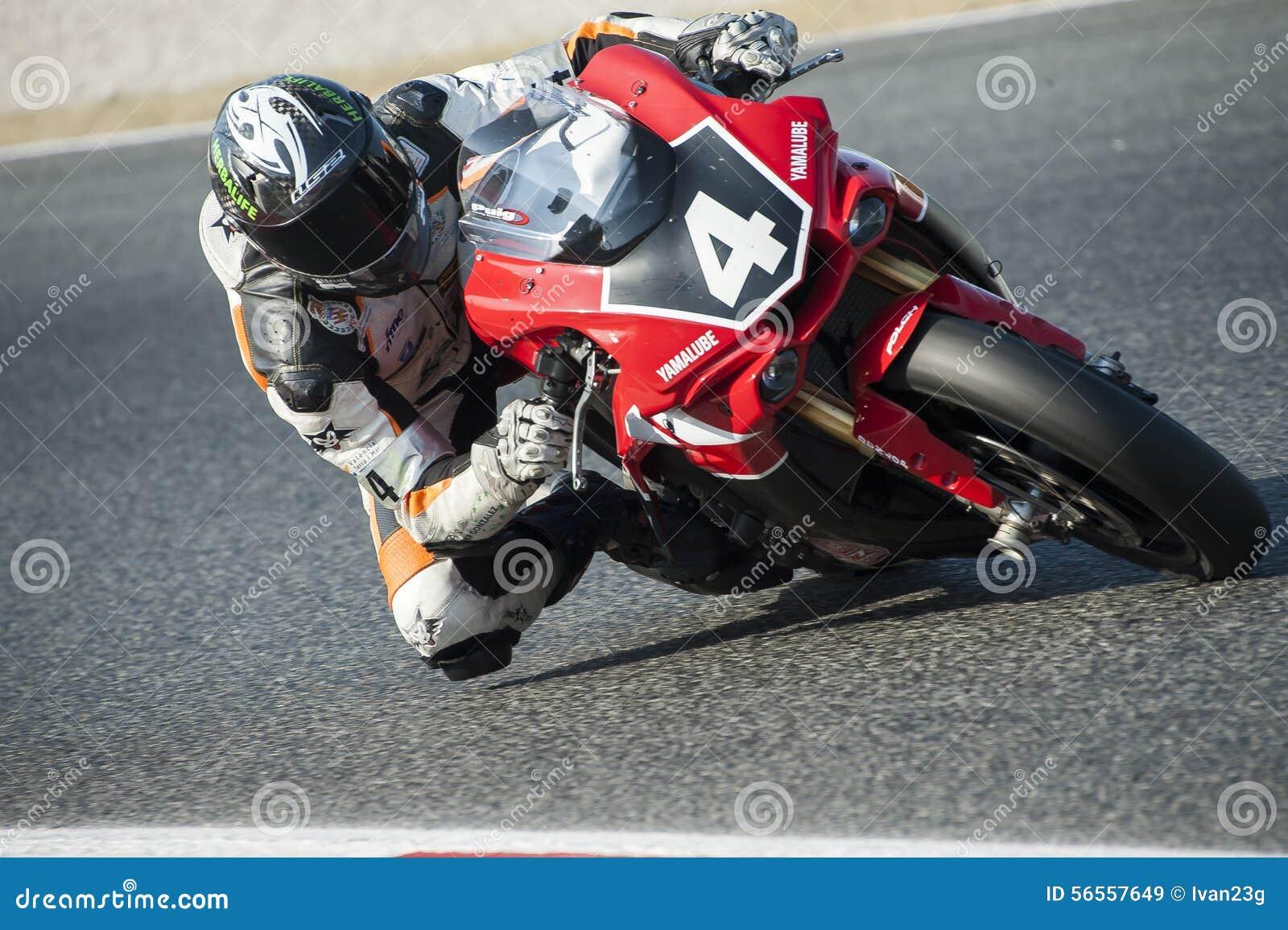 Download 24 ΑΝΤΟΧΗ ΩΡΩΝ MOTORCYCLING ΤΗΣ ΒΑΡΚΕΛΩΝΗΣ Εκδοτική Στοκ Εικόνα - εικόνα από αναβάτης, κοσμημάτων: 56557649