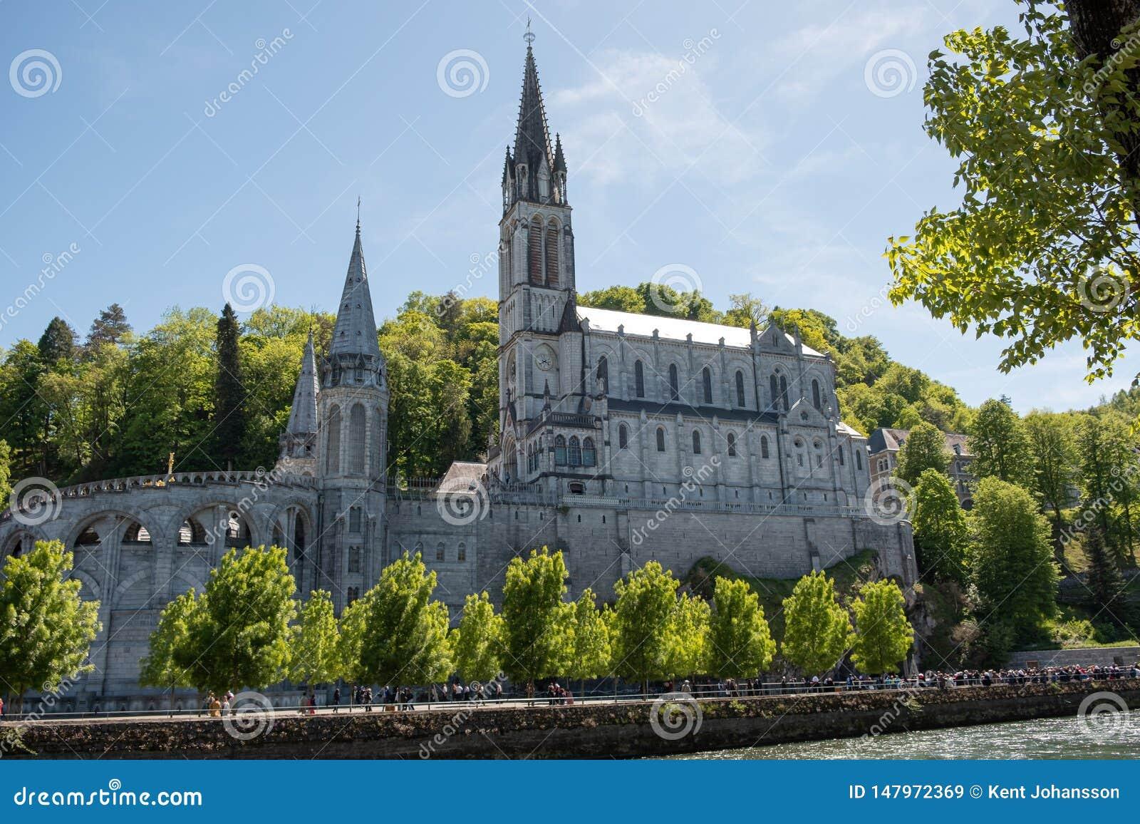 Ανώτερη βασιλική - Lourdes Γαλλία