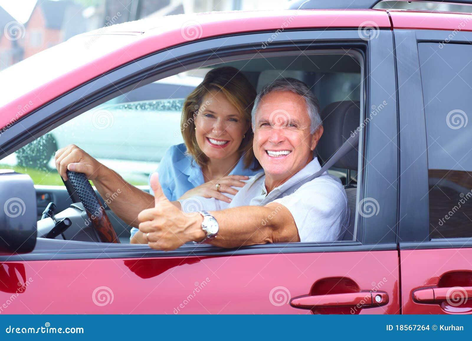 Ανώτερο ζεύγος στο αυτοκίνητο