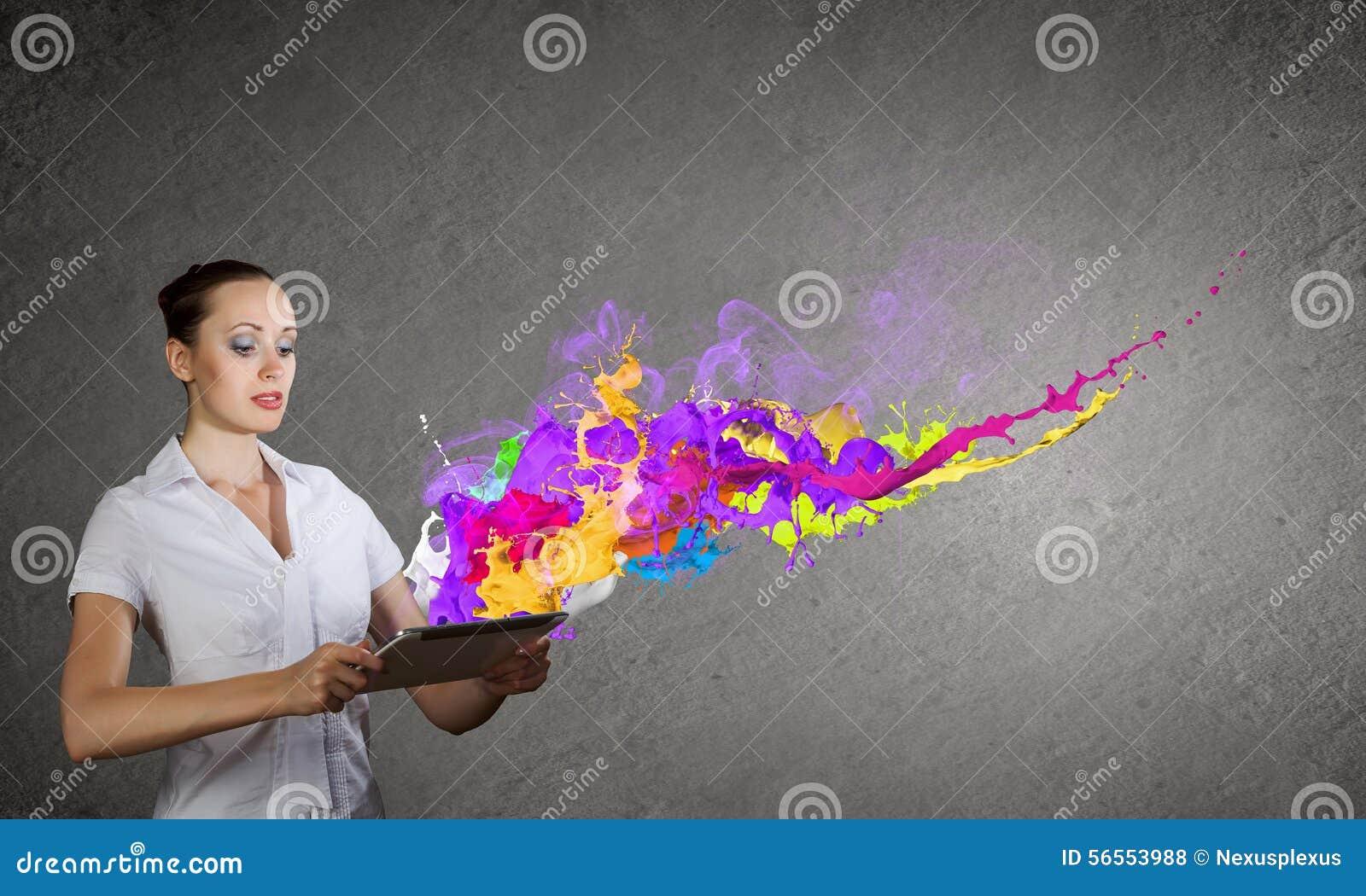 Download Αξιολογήστε την έκφραση χρώματος Στοκ Εικόνες - εικόνα από ταμπλέτα, κλονισμός: 56553988