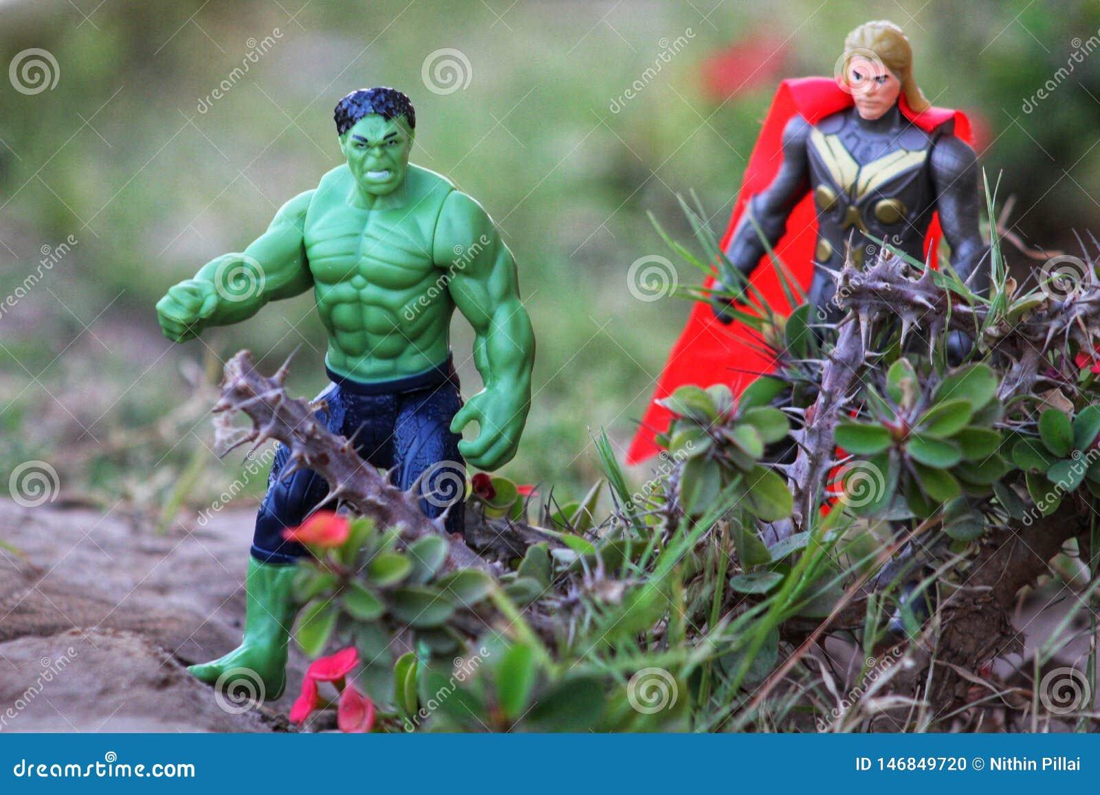 Απίστευτοι hulk & βασιλιάς της τοποθέτησης Asgard Thor