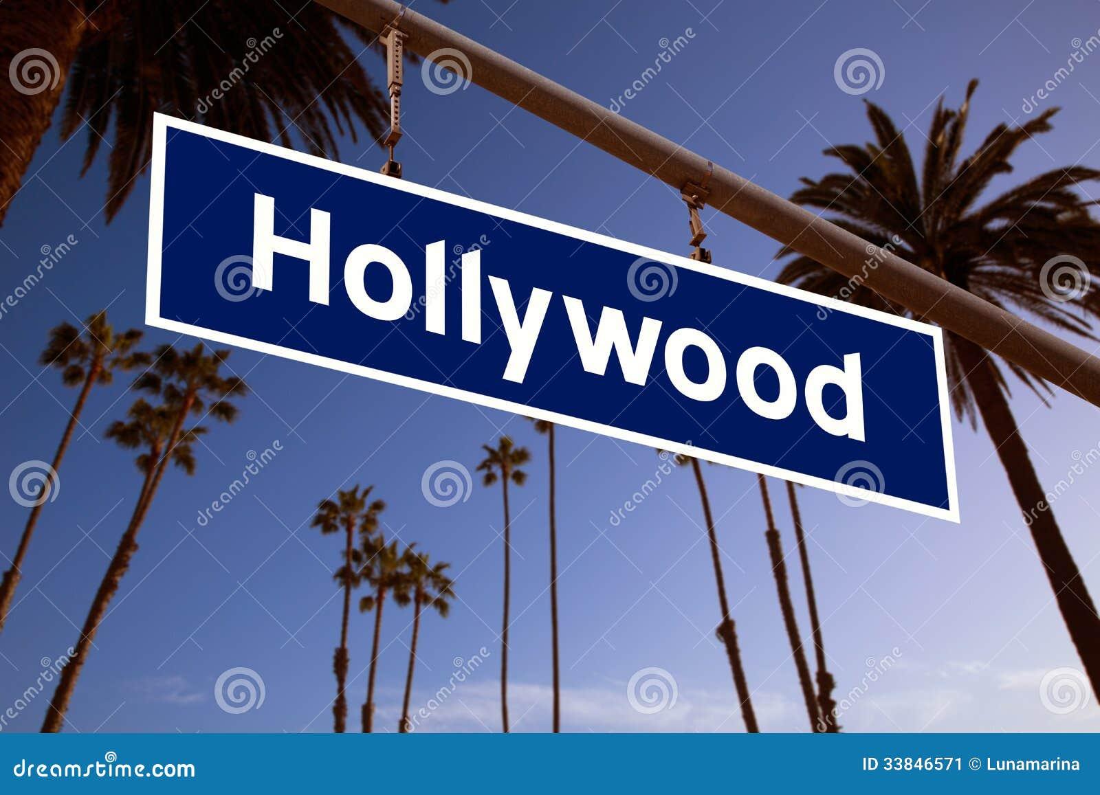 Απεικόνιση σημαδιών Hollywood πέρα από τους φοίνικες Λα