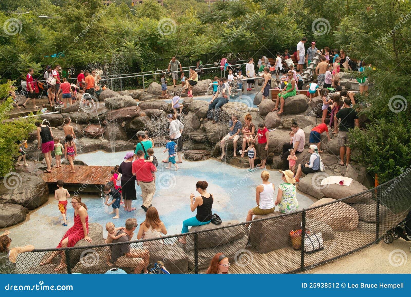 Αποβάθρα 6 πάρκο Νέα Υόρκη εργαστηρίων ύδατος γεφυρών του Μπρούκλιν