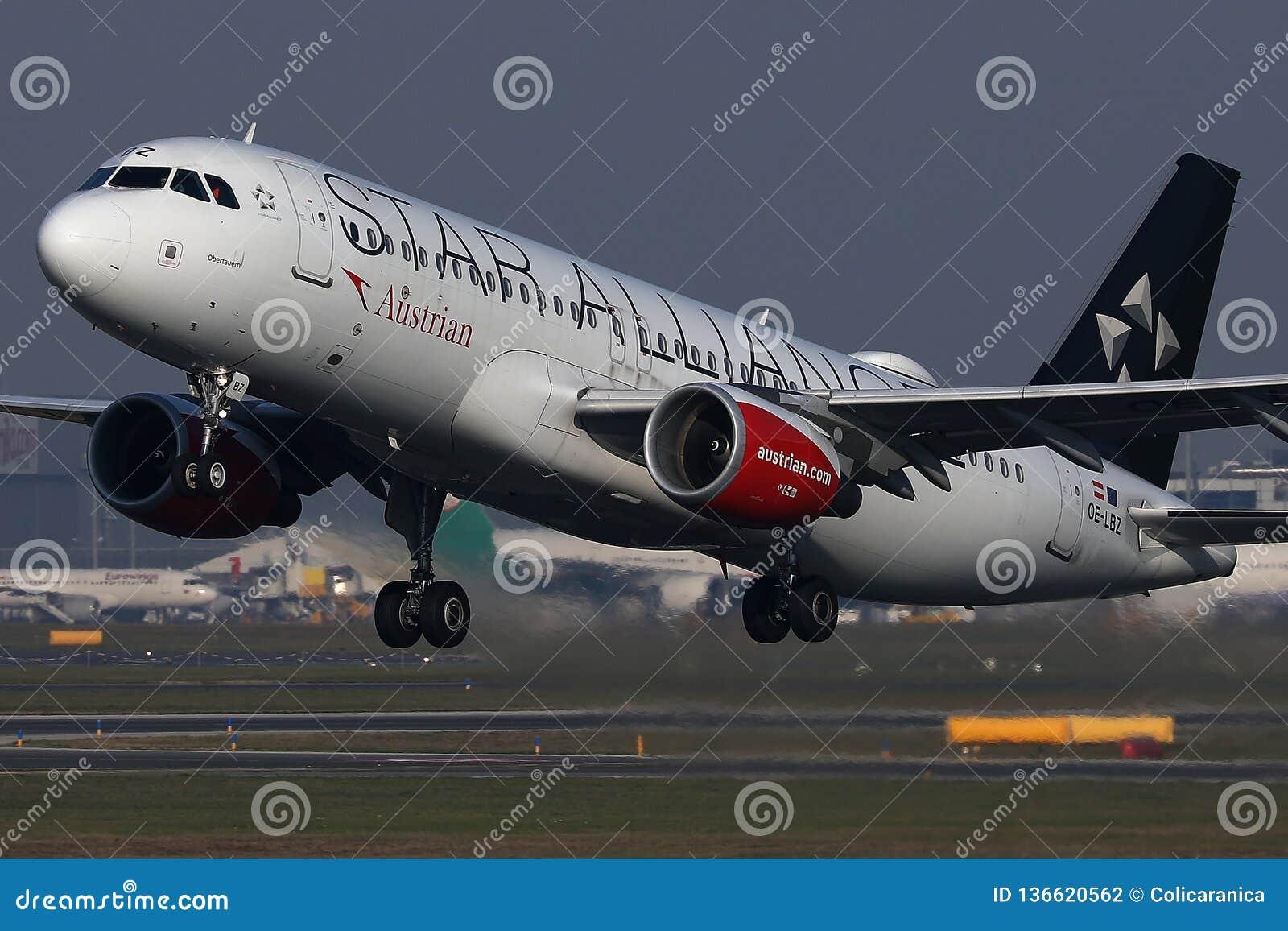Απογείωση αεροπλάνων συμμαχίας αστεριών της Austrian Airlines