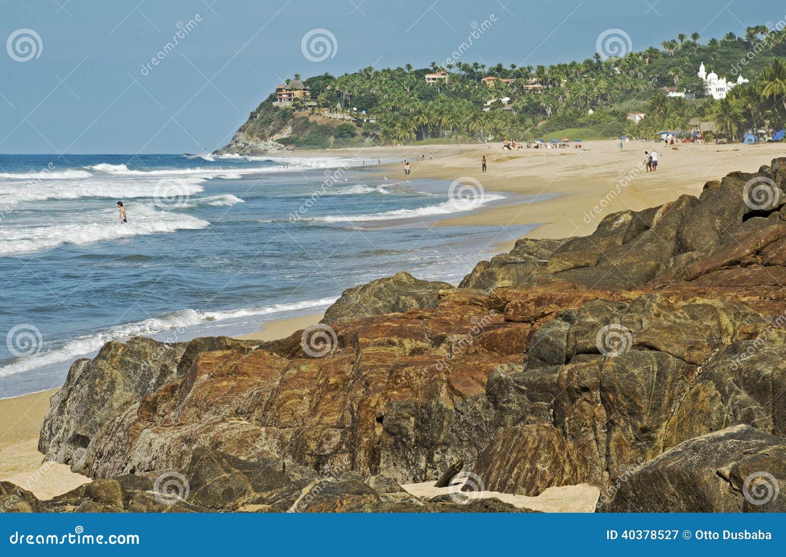 Απομονωμένη παραλία Ειρηνικών Ωκεανών