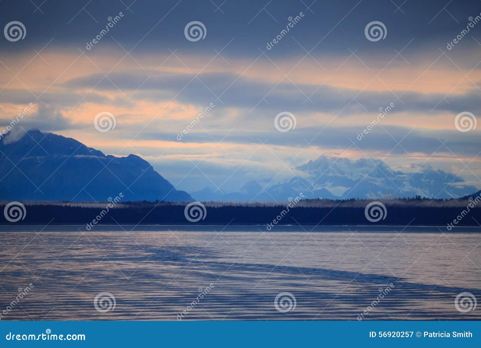 από την Αλάσκα σειρά βουνών