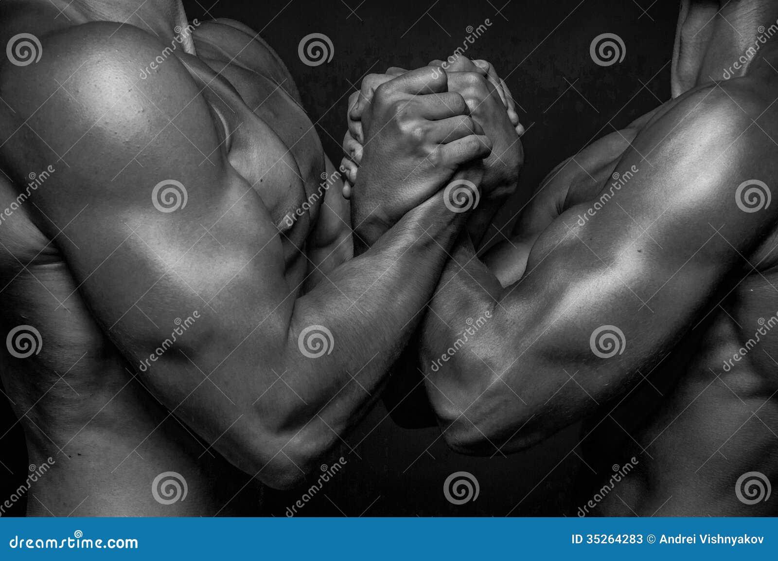 Αρσενικά χέρια