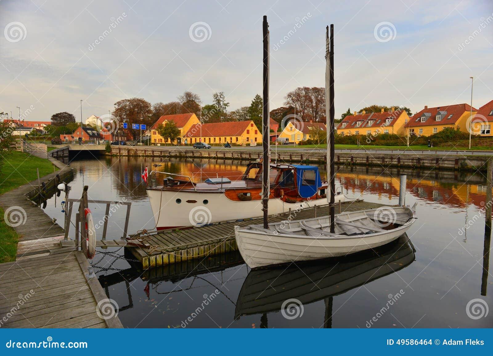 Αρχαία ξύλινα σκάφη στη Δανία