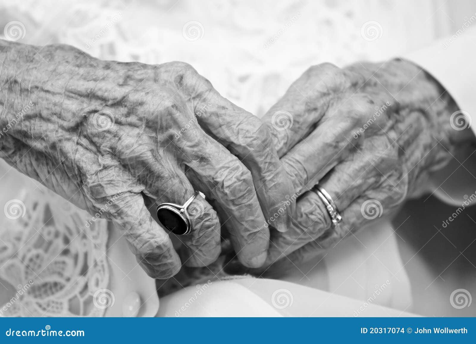 αρχαία χέρια