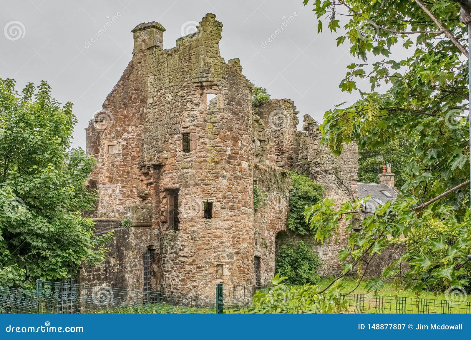 Αρχαίες καταστροφές Seagate Castle Irvine Σκωτία που επισκέπτεται από τη βασίλισσα της Mary σκωτσέζικου