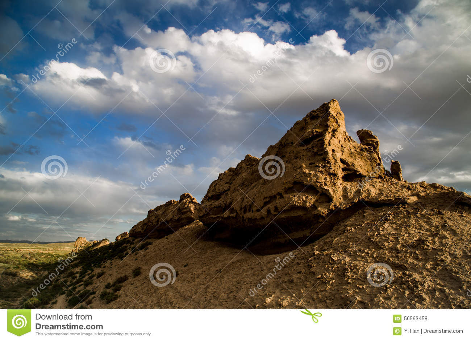 Download Αρχαίος το Σινικό Τείχος σε Gansu, Κίνα Στοκ Εικόνες - εικόνα από τοπίο, σύννεφο: 56563458
