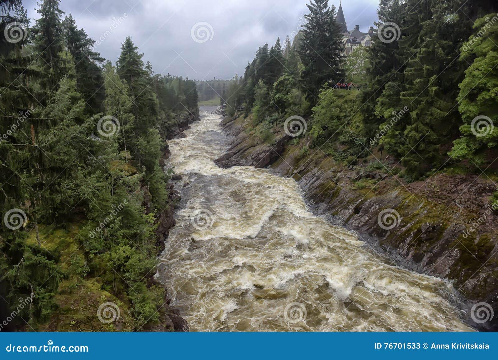 αρχαίο τραπεζών δύσκολο vuoksi ποταμών imatra της Φινλανδίας δασικό Ποταμός Vuoksa