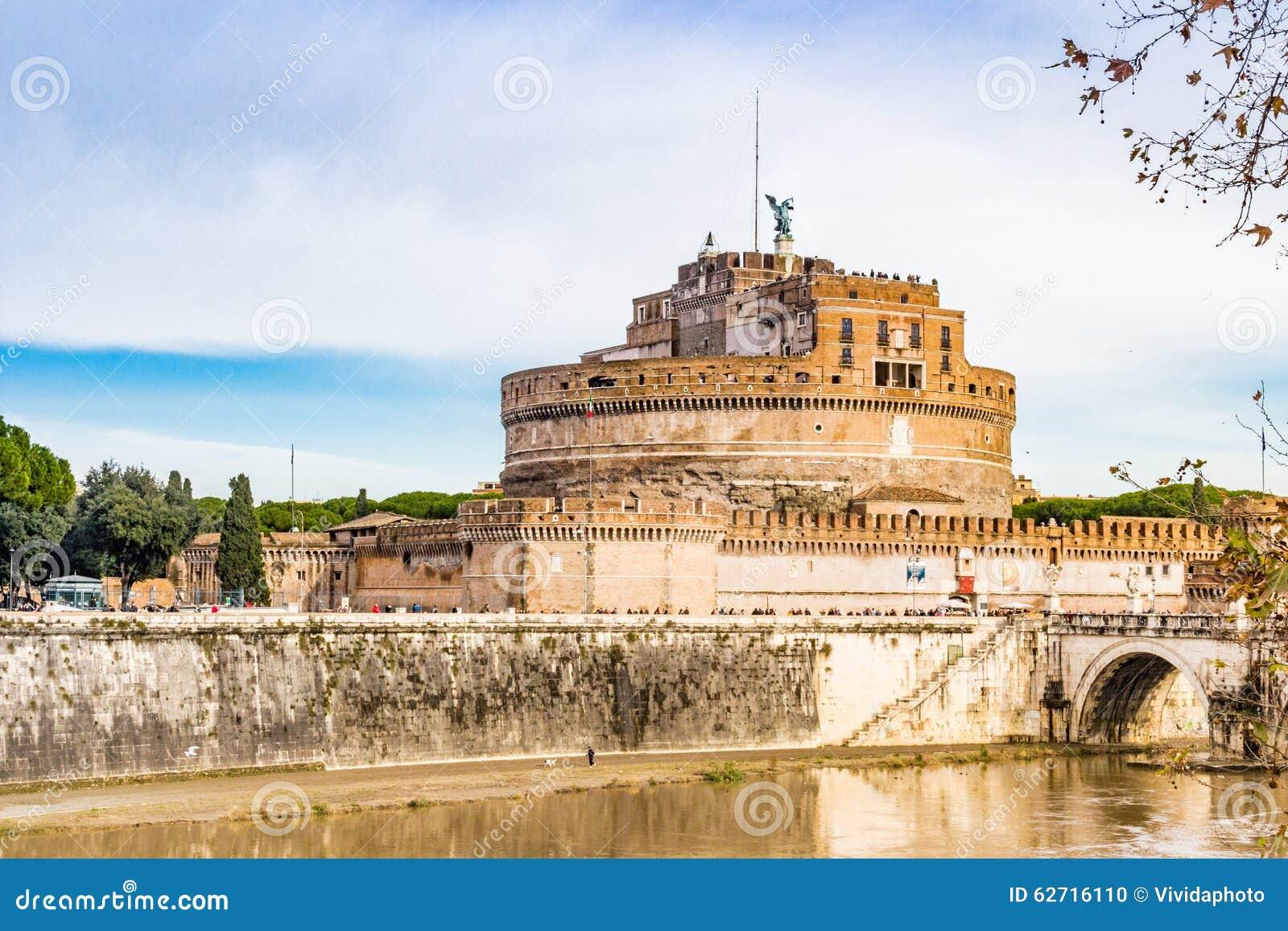 Download Αρχιτεκτονικές λεπτομέρειες στη Ρώμη Στοκ Εικόνες - εικόνα από μαυσωλείο, θυμών: 62716110
