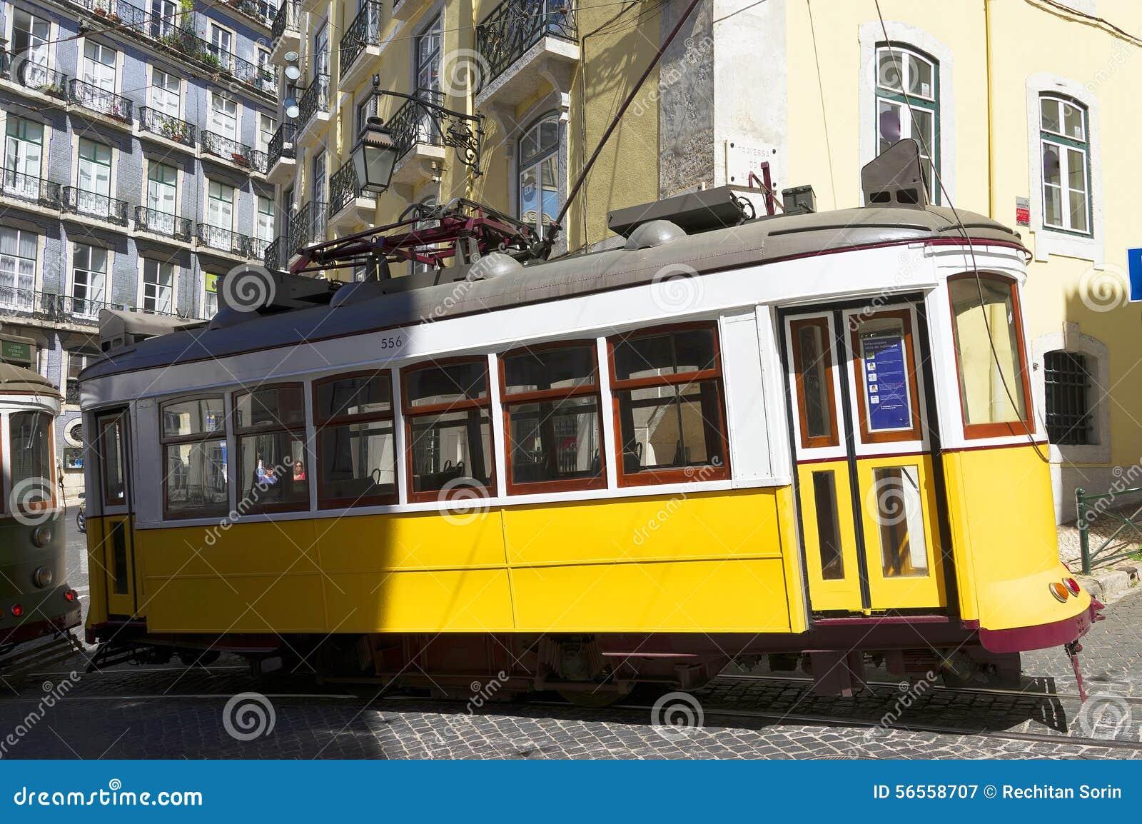 Download Αρχιτεκτονική λεπτομέρεια στη Λισσαβώνα Στοκ Εικόνα - εικόνα από ορίζοντας, άνθρωποι: 56558707