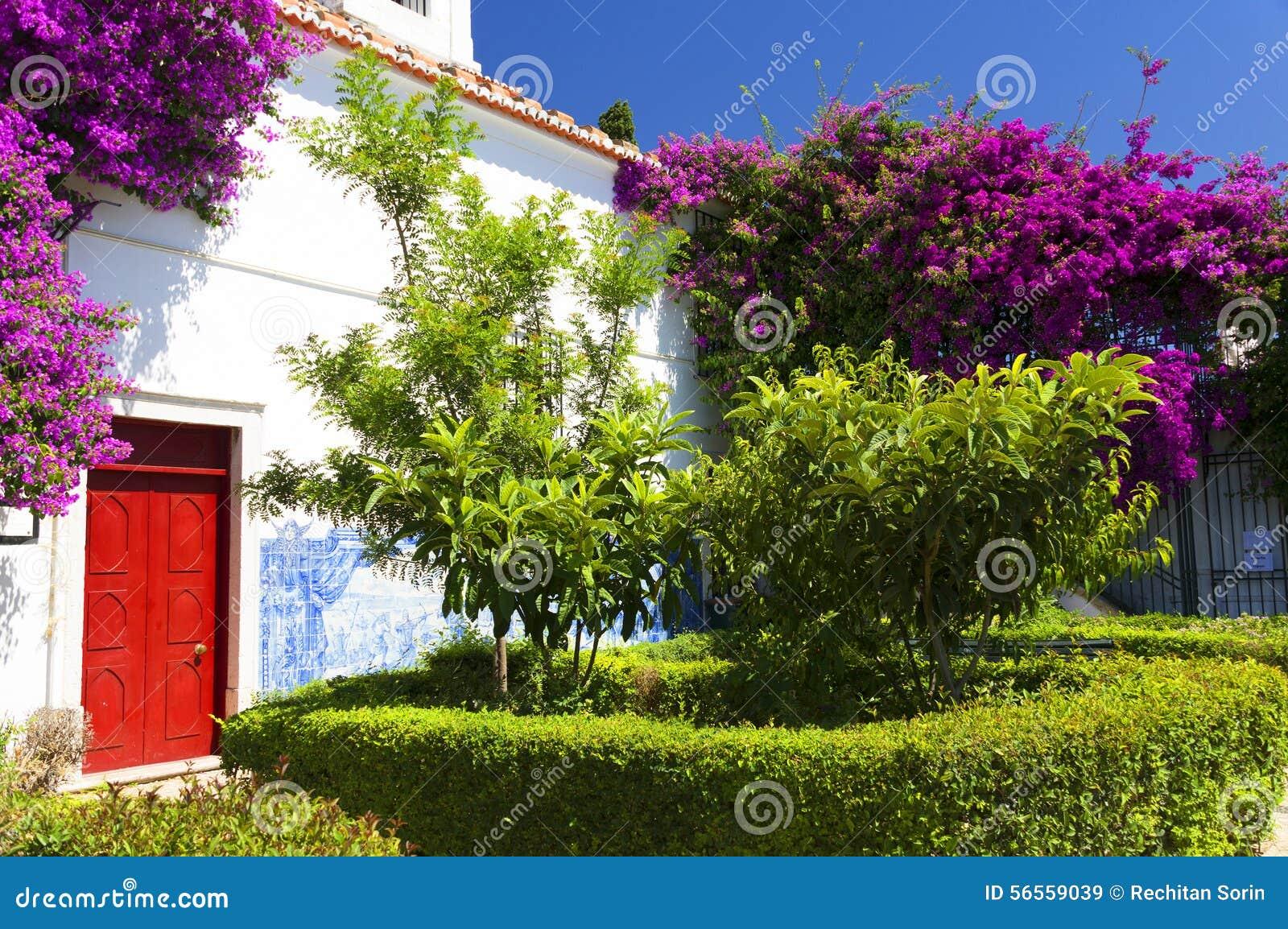 Download Αρχιτεκτονική λεπτομέρεια στη Λισσαβώνα Στοκ Εικόνα - εικόνα από πορτογαλικά, plaza: 56559039