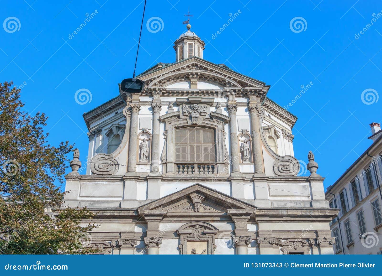 Αρχιτεκτονική λεπτομέρεια του Ρωμαίου - καθολικό μπαρόκ SAN Giuseppe