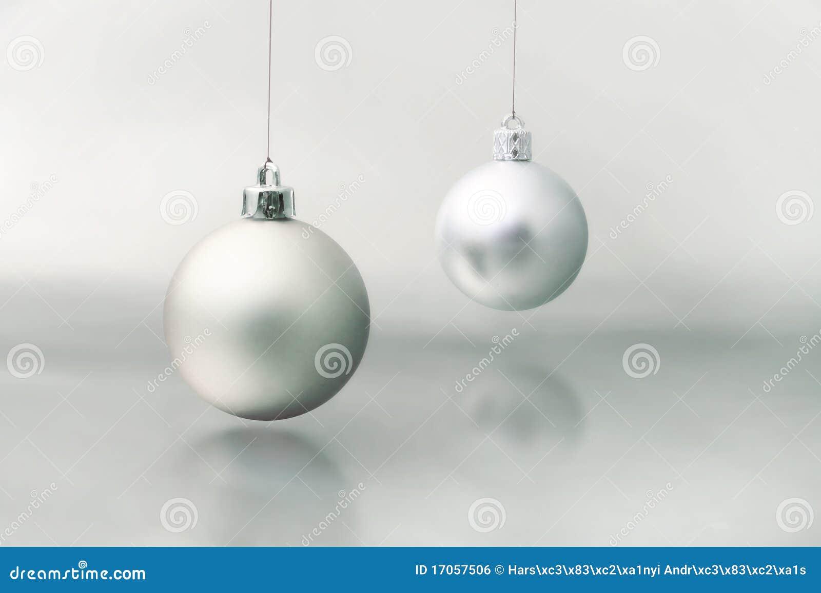 Ασημένια σφαίρα Χριστουγέννων